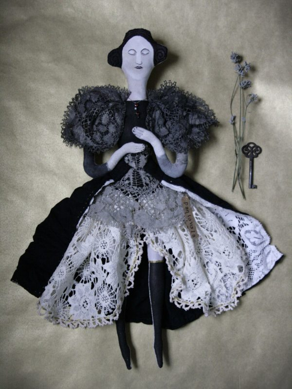 madam violet art doll