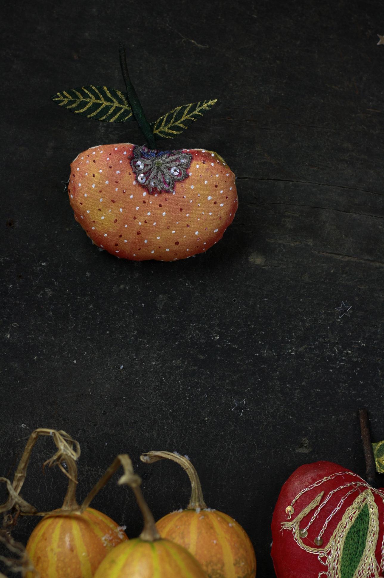 textile fruit