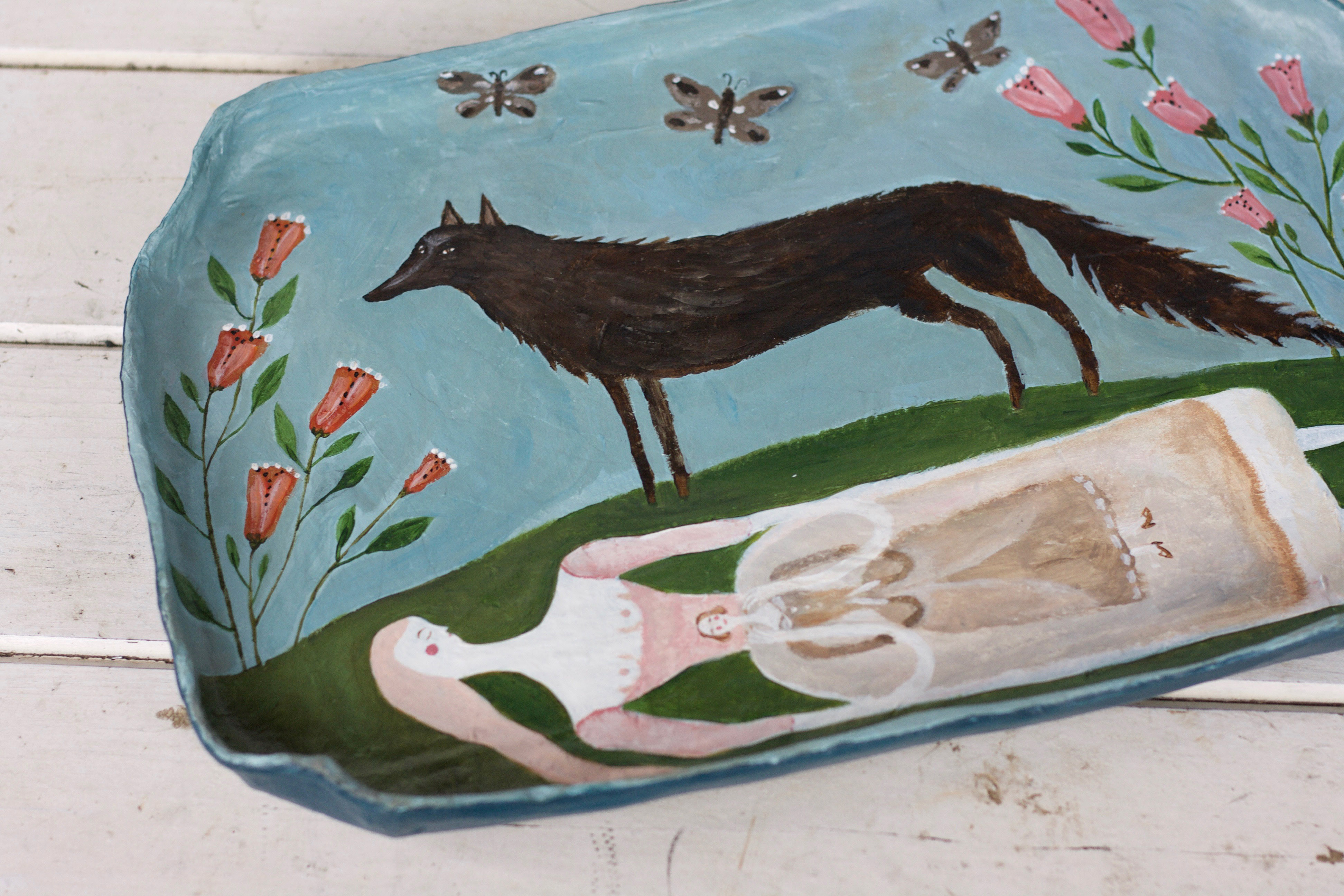 Wolf Maiden paper tray 15